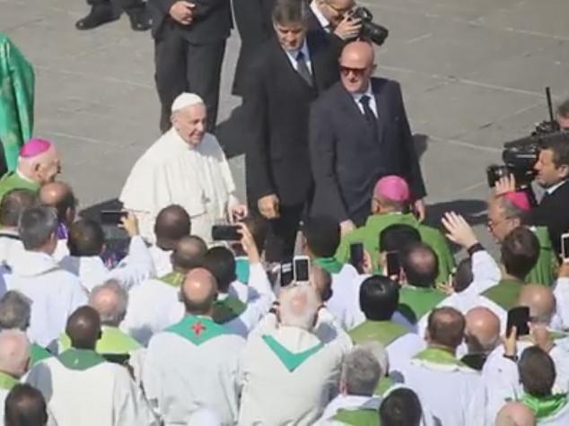 """Francesco: """"Anche Maria una migrante"""". Poi annuncia 13 nuovi cardinali - Video"""
