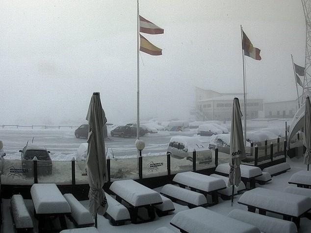 Maltempo: neve in Alto Adige, chiusi passi Stelvio e Rombo