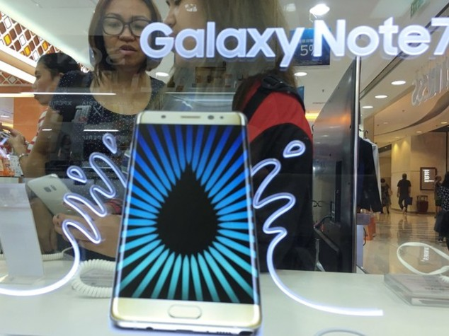 Anche i nuovi Note 7 esplodono. Azioni Samsung crollano dell'8%