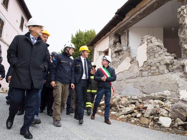 Ok decreto terremoto. Renzi ad Amatrice, Accumoli e Arquata