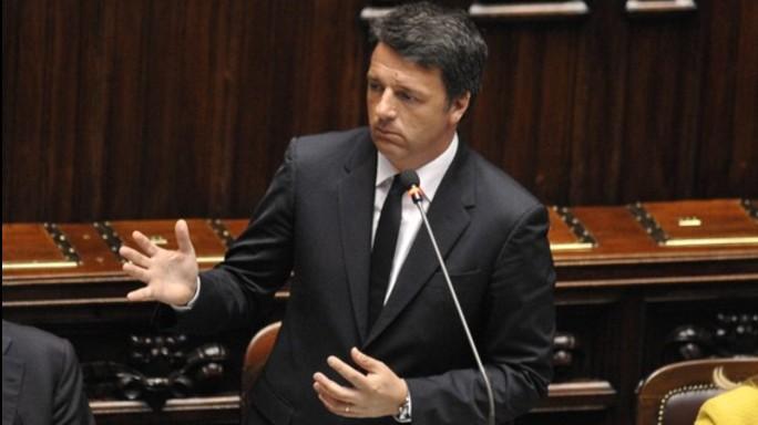 "Renzi, ""da Ue frenetico immobilismo"". Bagarre in Aula"