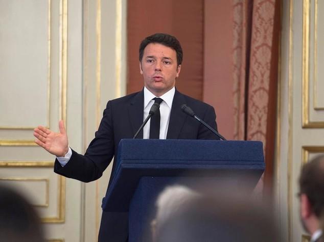 """Renzi ai sindaci: """"Rottamiamo il checcozalonismo"""""""