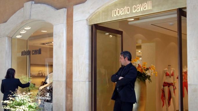 Roberto Cavalli chiude a Milano. E taglia 200 dipendenti
