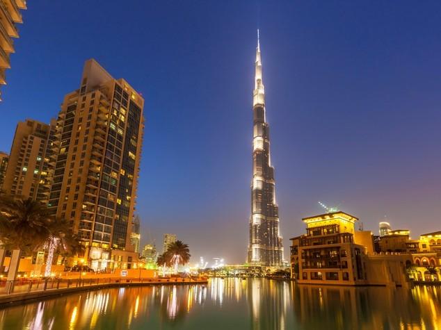 Eau: il 'Burj Khalifa' si tinge di rosa per lotta a cancro seno