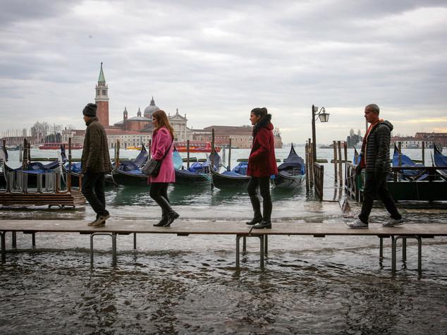 Torna l'acqua alta a Venezia, sabato attesi 125 cm