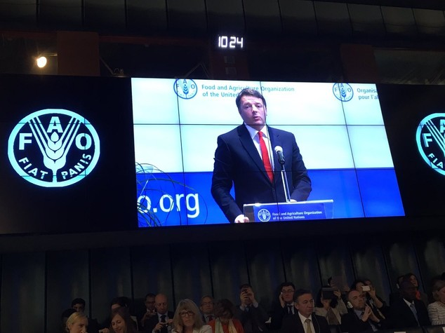 Clima: Renzi, ratifica accordo Parigi prima Cop22 Marrakesh