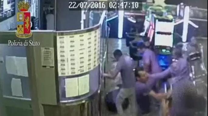 Brutale pestaggio di un addetto alle slot, 5 arresti