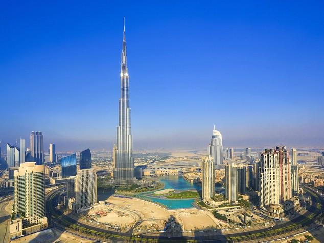 Italia-Emirati: Torino, progetto pilota su energie rinnovabili