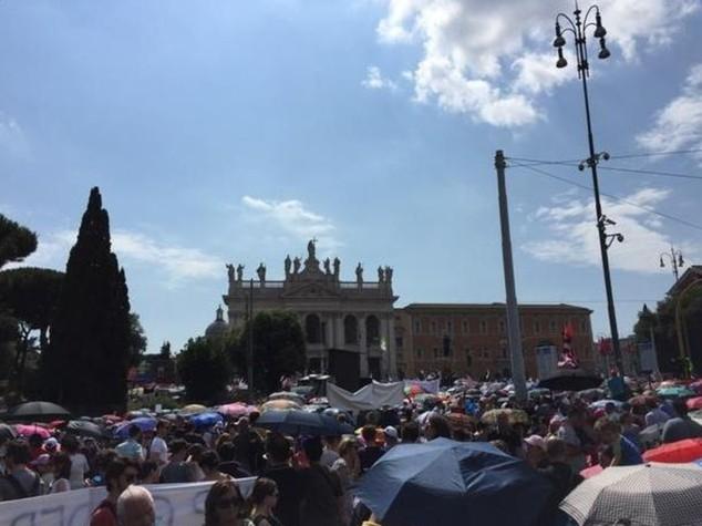 """Folla in piazza per Family Day  Ncd, """"Siamo un milione"""""""