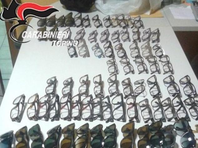 Rubavano 120 occhiali a settimana, arrestati dipendenti Luxottica - VIDEO