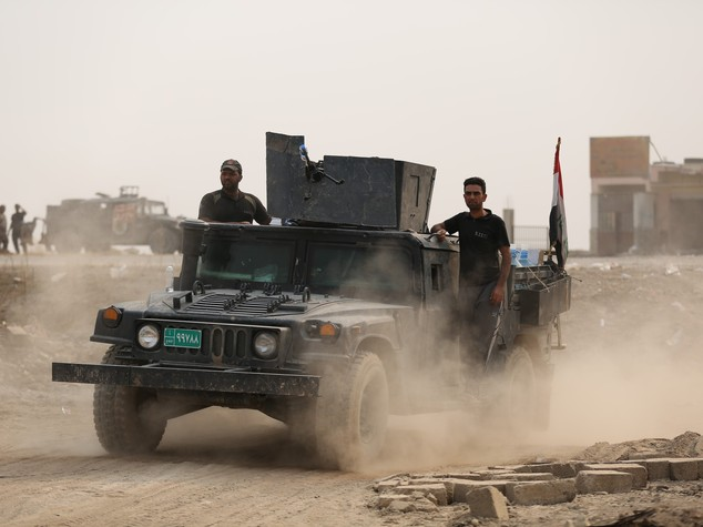 Mosul: offensiva da sud e da est, battaglia è vicina