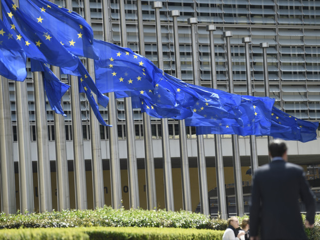 Renzi vuole riempire di migranti i Paesi dell'Est Europa