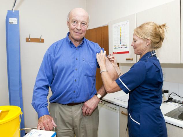 Tutti i vaccini, le cure, l'assistenza che si potrà avere gratis in Italia