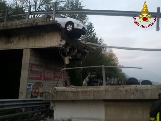 Quello di Fossano è il terzo ponte che crolla in sei mesi