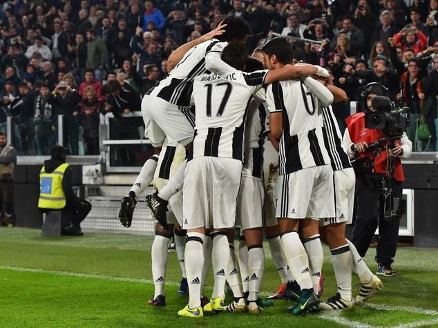 L'ex Higuain affossa il Napoli e lancia la Juve
