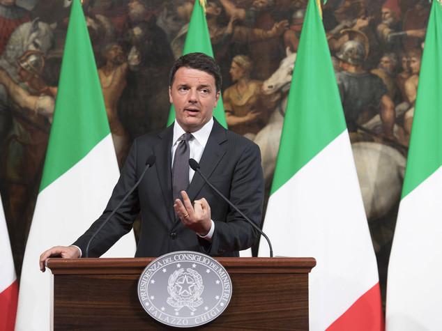 Terremoto: Renzi, no vincoli Ue. Serve unità Paese