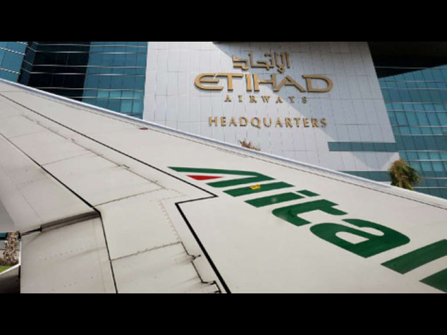 Alitalia, l'Europa chiede chiarimenti su Poste e Etihad