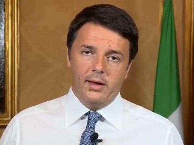 """Renzi contro la Merkel """"Paesi Ue non sono scolaretti"""""""
