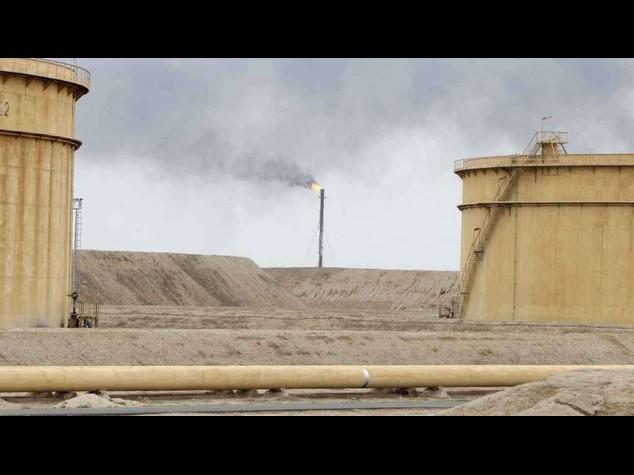 Isis: entrate petrolifere da Siria e Iraq diminuite dopo i raid della coalizione