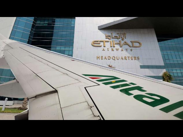 Alitalia: Lupi, in mobilita' 980 esuberi, 1021 ricollocati in altre aziende