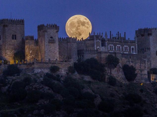 Stasera la Superluna: più brillante, grande e vicina