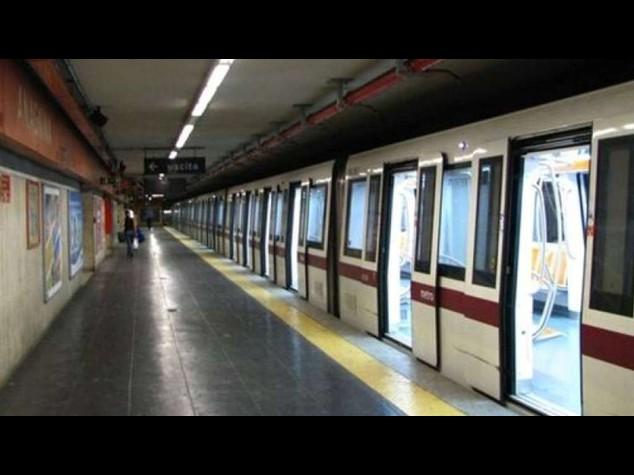 Roma: metro A bloccata, tubo acqua piovana urta cabina di guida