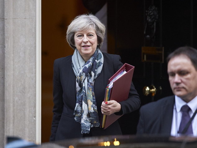 Per la Gran Bretagna buco da 100 miliardi di sterline in 5 anni