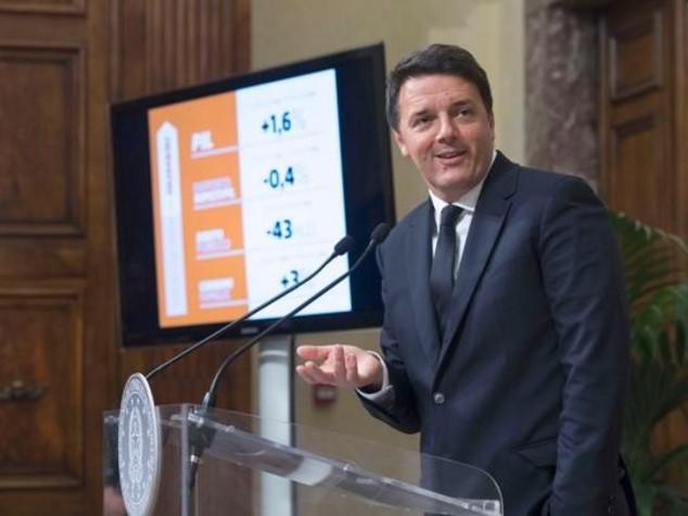 Matteo Renzi presenta i suoi mille giorni Sondaggi: