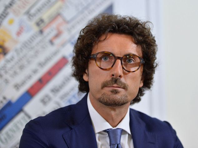 Toninelli (M5S) ha ragione: il debito di Roma pesa sugli italiani quanto un piccolo stato. 15 miliardi