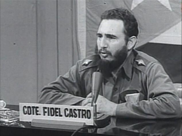 """Fidel Castro """"dittatore brutale"""", un """"secondo padre"""",  le reazioni alla morte del lider maximo"""