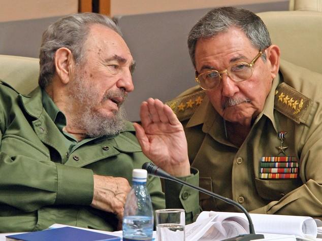 Fidel Castro, un clan di figli nipoti ed ex mogli - Infografica