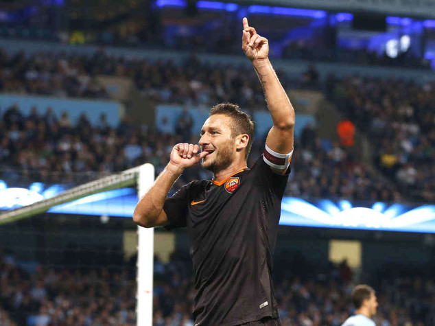 Champions: grandissima Roma a Manchester, 1-1 col City e Totti nella leggenda