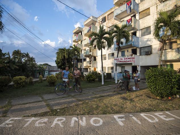 L'ultimo viaggio di Fidel, ceneri del 'lider maximo' a Santiago de Cuba  Foto   e   Video