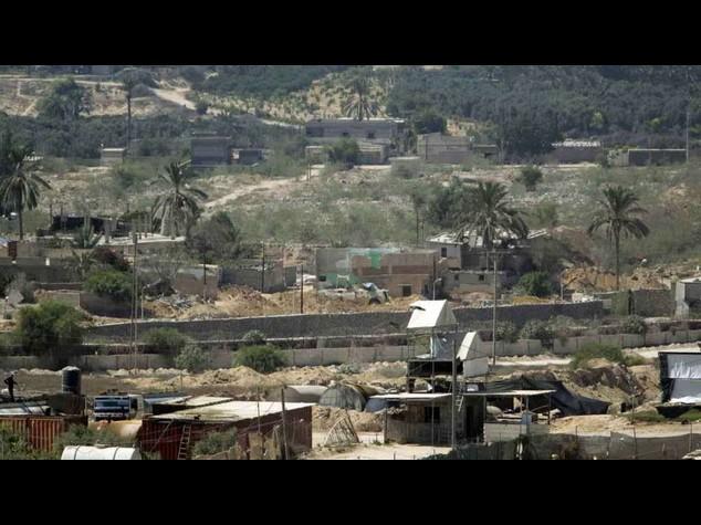 Egyptian troops kill 17 militants in Sinai