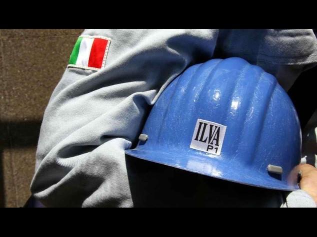 """Ilva: sindacati, """"garanzie dal ministro Guidi"""" sospeso sciopero dell'11/7"""