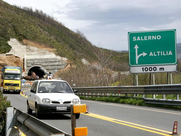 Viaggio sulla Salerno-Reggio Calabria, autostrada 4.0