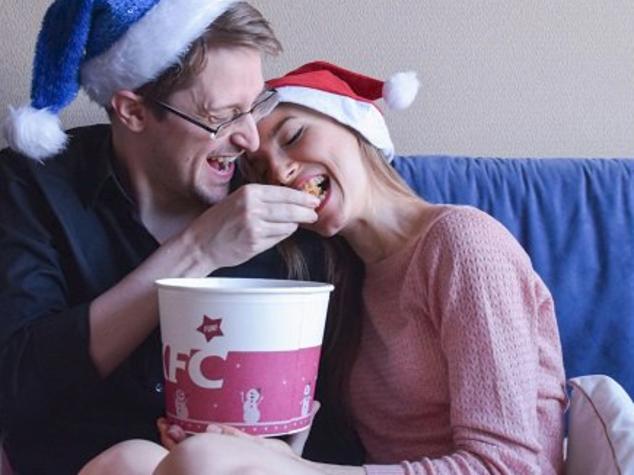 Snowden sponsorizzato dal pollo fritto, la bufala di Natale su Twitter