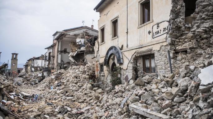 """Terremoto, gli esperti """"contagio sismico"""" tra faglie vicine"""