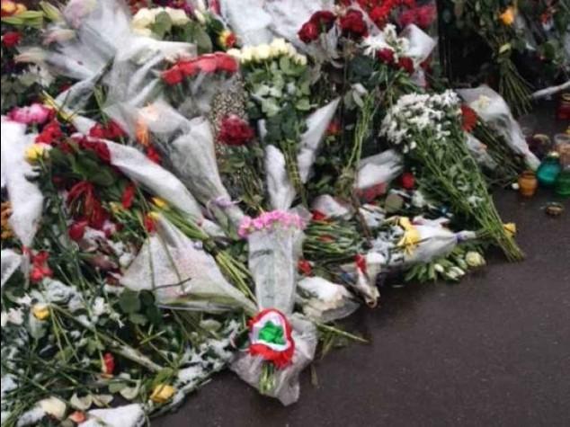 Renzi a Mosca vede Medvedev Da premier omaggio a Nemtsov