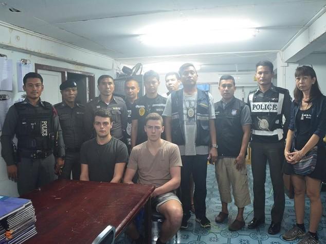 Thailandia: restano per ora in cella i due italiani