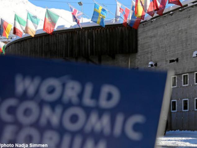 Davos, il debutto di Xi sulle nevi. Per l'Italia c'è Padoan