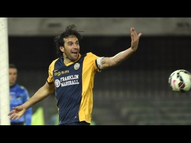 Verona-Torino 2-2 tra forti emozioni e contestazioni all'arbitro