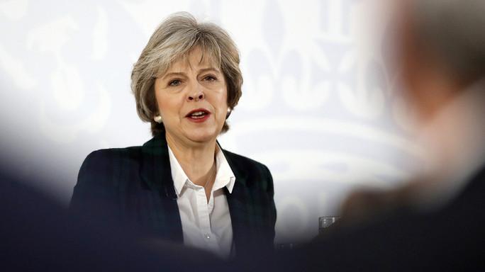 La Ue approva le linee guida sulla Brexit, May le respinge