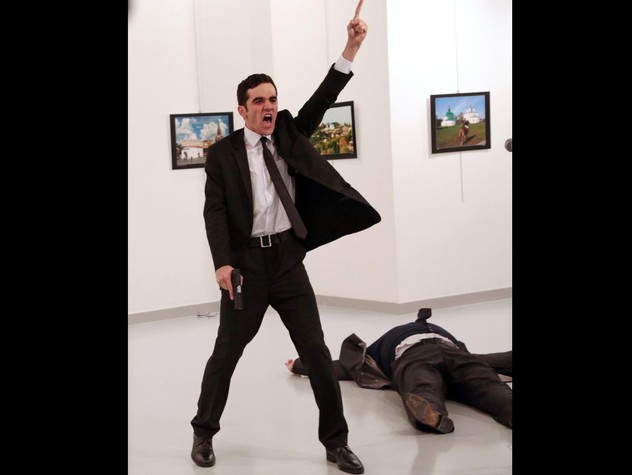 World Press Photo, vince foto del killer dell'ambasciatore russo