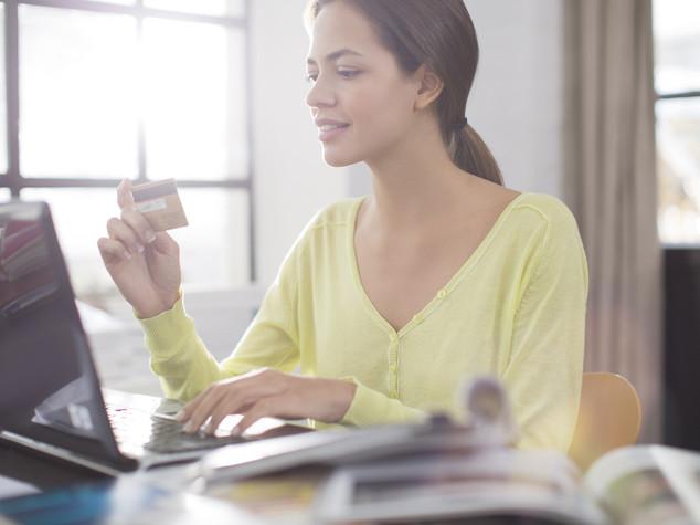 Esplora online, compra in negozio: arriva l'app (italiana) del commercio ibrido