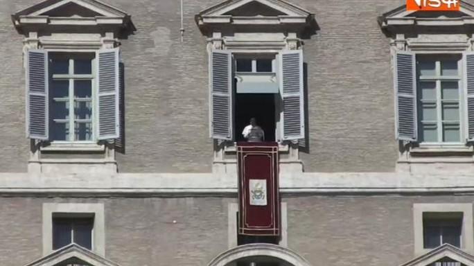 Papa Francesco condanna attentati in Iraq e Pakistan