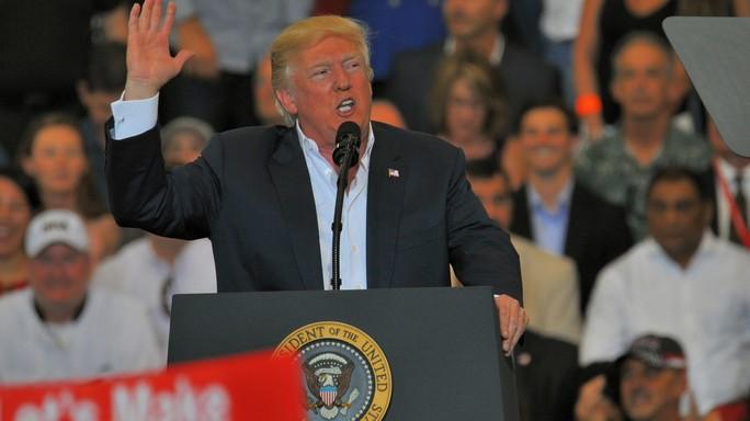 Dalle fake news ai fatti alternativi, la guerra di Trump ai media