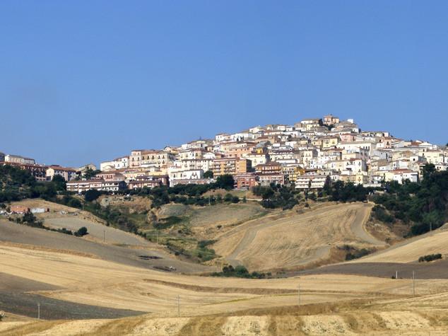 In Puglia c'è uno splendido borgo che ti offre del denaro per andarci a vivere