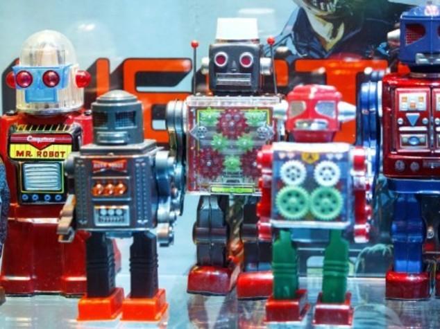 Robot al lavoro: Bill Gates, tassiamoli