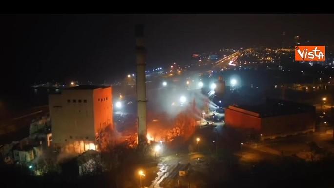 Cleveland, con 200 kg di esplosivo la centrale elettrica va giù